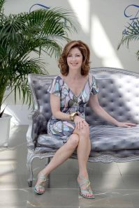dana delany - Only in High Heels - Gorgeous Legs - Celebrity Legs