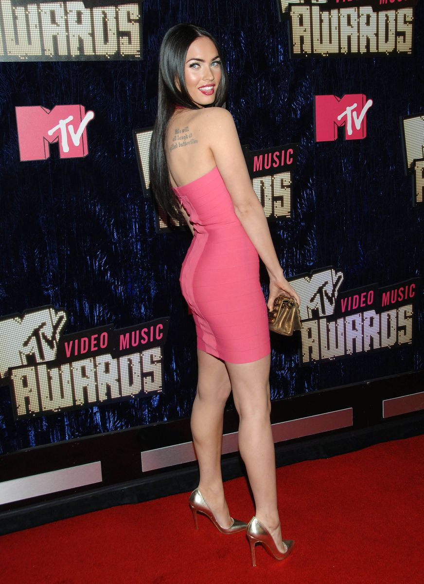 Sexy calves in high heels
