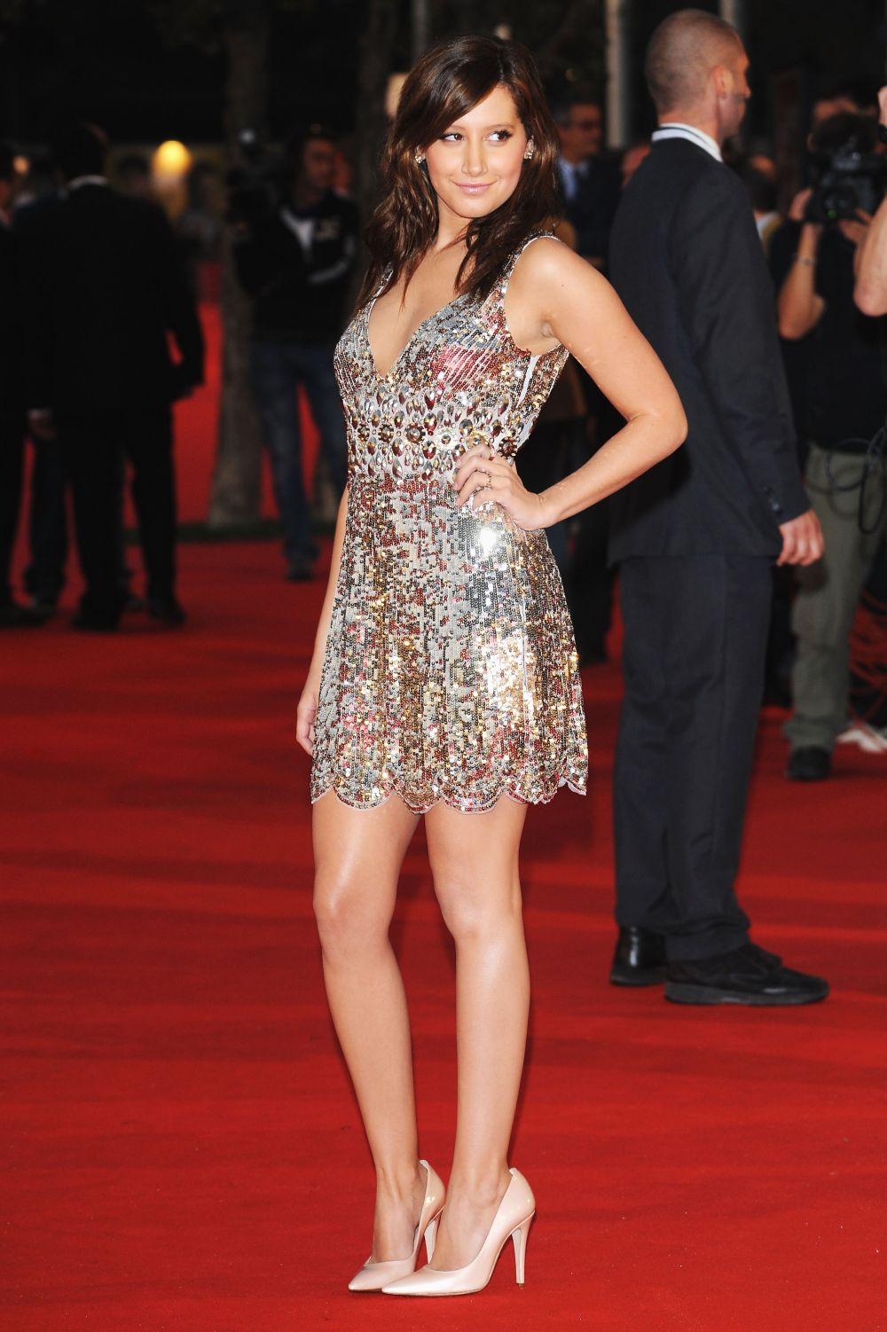 http://onlyinhighheels.files.wordpress.com/2008/10/ashley_tisdale-high_school_musical_3_premiere_during_the_rome_internationa_film_festival-5_122_933lo.jpg