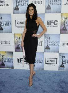 teri_hatcher_arrives_at_the_24th_annual_film_independent3s_spirit_awards11