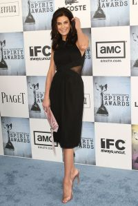 teri_hatcher_arrives_at_the_24th_annual_film_independent_spirit_awards1