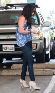 vanessa_hudgens_on_sunset_blvd1