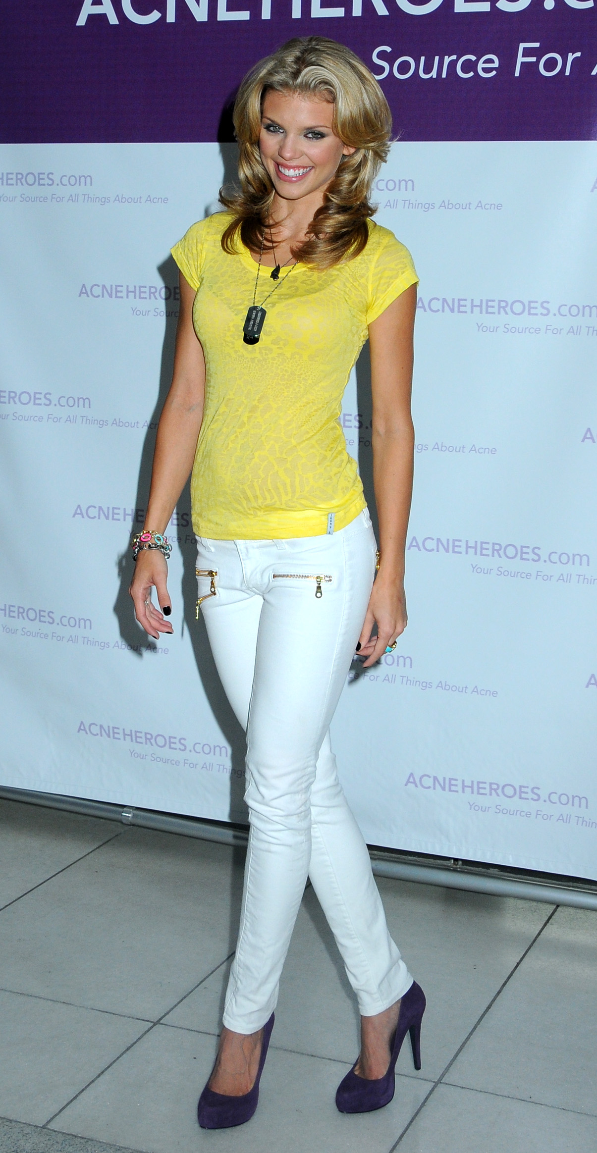 d0e6e3ab0ca AnnaLynne McCord Has Hot Legs in White Skinny Jeans and High Heels