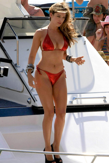 Kelly brook only in high heels for Top naked images