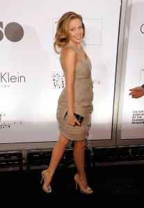 Kylie_Minogue_at_the_1st_Annual_Guggenheim_Art_Awards_in_New_York_City