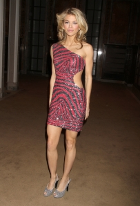 AnnaLynne McCord has sexy legs in a mini dress and high heels
