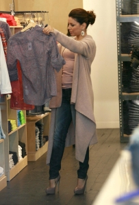 Eva Longoria skinny jeans and high heels at the gap