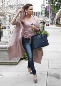 Eva Longoria skinny jeans and high heels heading to paves salon