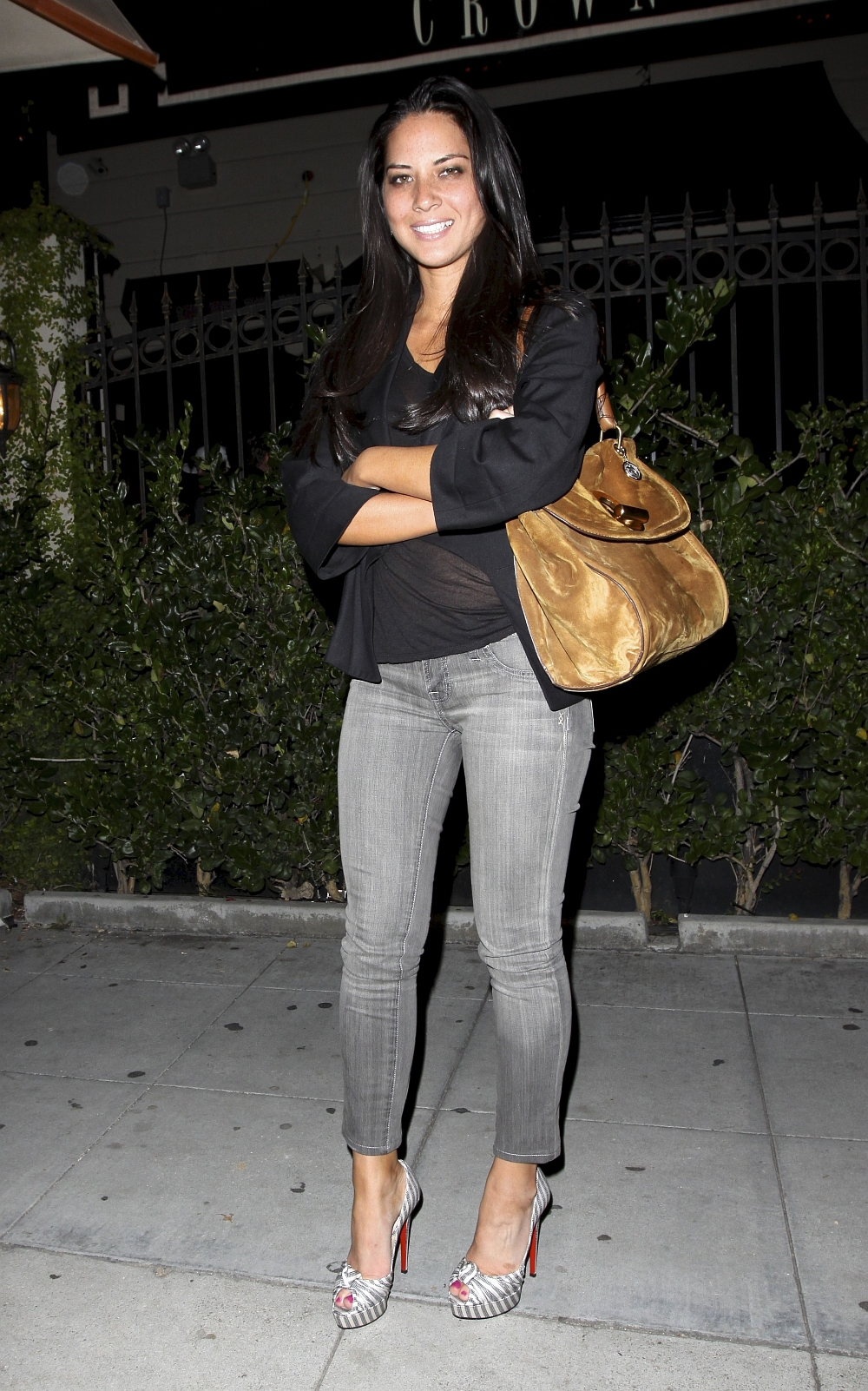 Olivia Munn  Only In High Heels  Page 4-1604