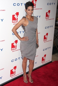 Halle Berry has great legs in high heels