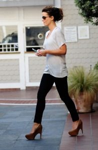 Kate Beckinsale leaving Shutters Hotel in Santa Monica wearing high heels