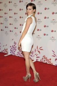 jessica stroup sexy legs in high heels