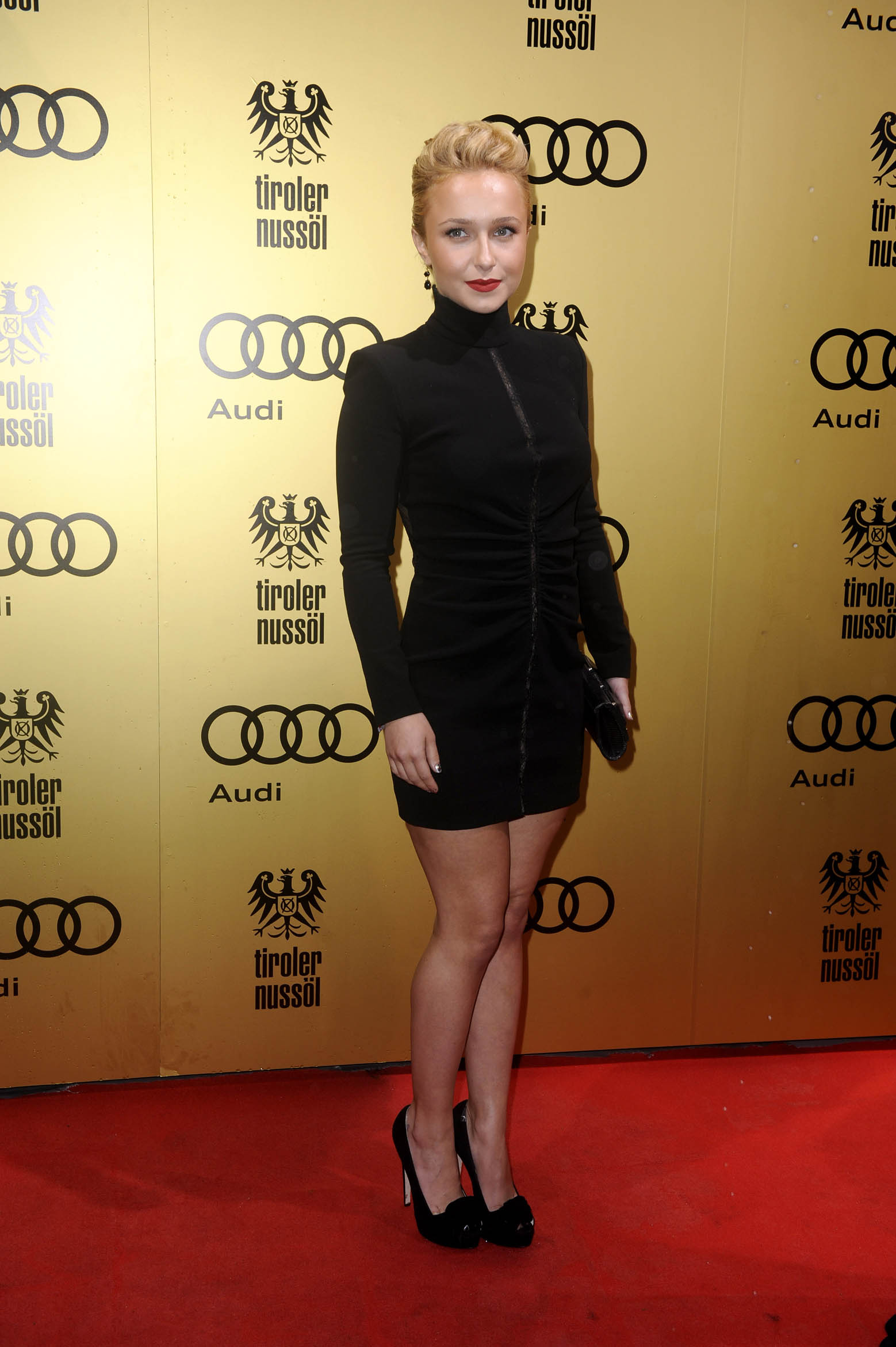 Hayden Panettiere Only In High Heels