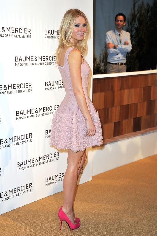 Gwyneth Paltrow Jewelry Fair hot legs in high heels