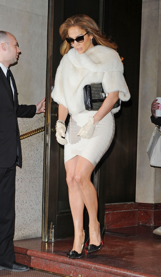 jennifer lopez white dress and black heels