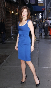 Kate Walsh sexy legs in high heels
