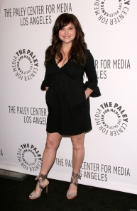 tiffani thiessen legs and cleavage