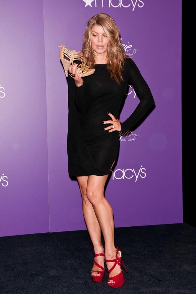 fergie sexy legs in high heels