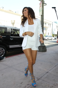 eva longoria iis leggy n white short shorts and blue strappy high heels