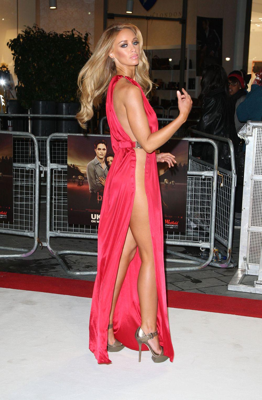 В Красном Платье Без Трусиков