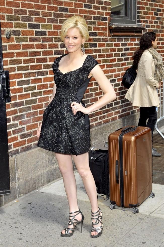 elizabeth banks legs