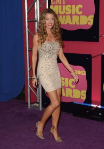 denise richards CMT awards