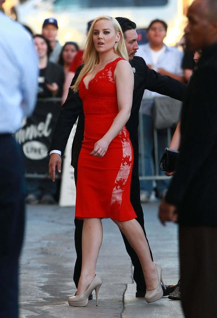 Abbie Cornish Curves And Shapely Legs In A Low Cut Tight Red Dress