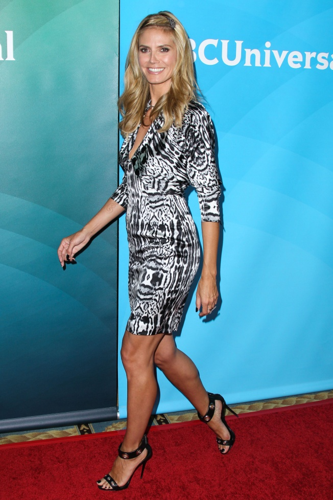 Heidi Klum Gorgeous In A Low Cut And Short Black And White