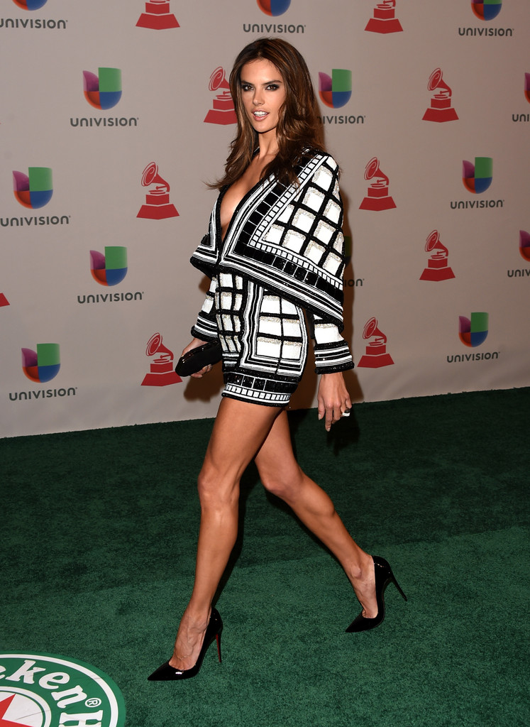 Alessandra Ambrosio Sexy Legs in an Odd Looking Yet Low Cut and Short ... Alessandra Ambrosio