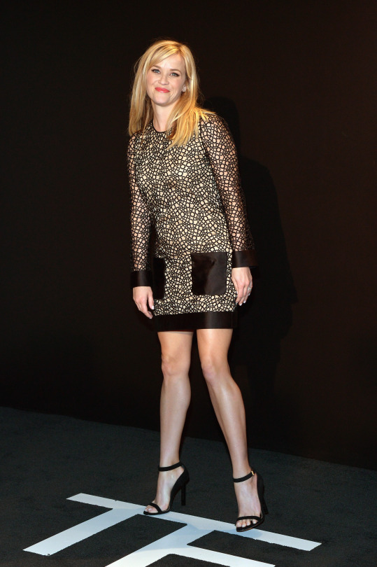 Reese Witherspoon Gorgeous Legs in a Short Dress and Ankle Strap High ...