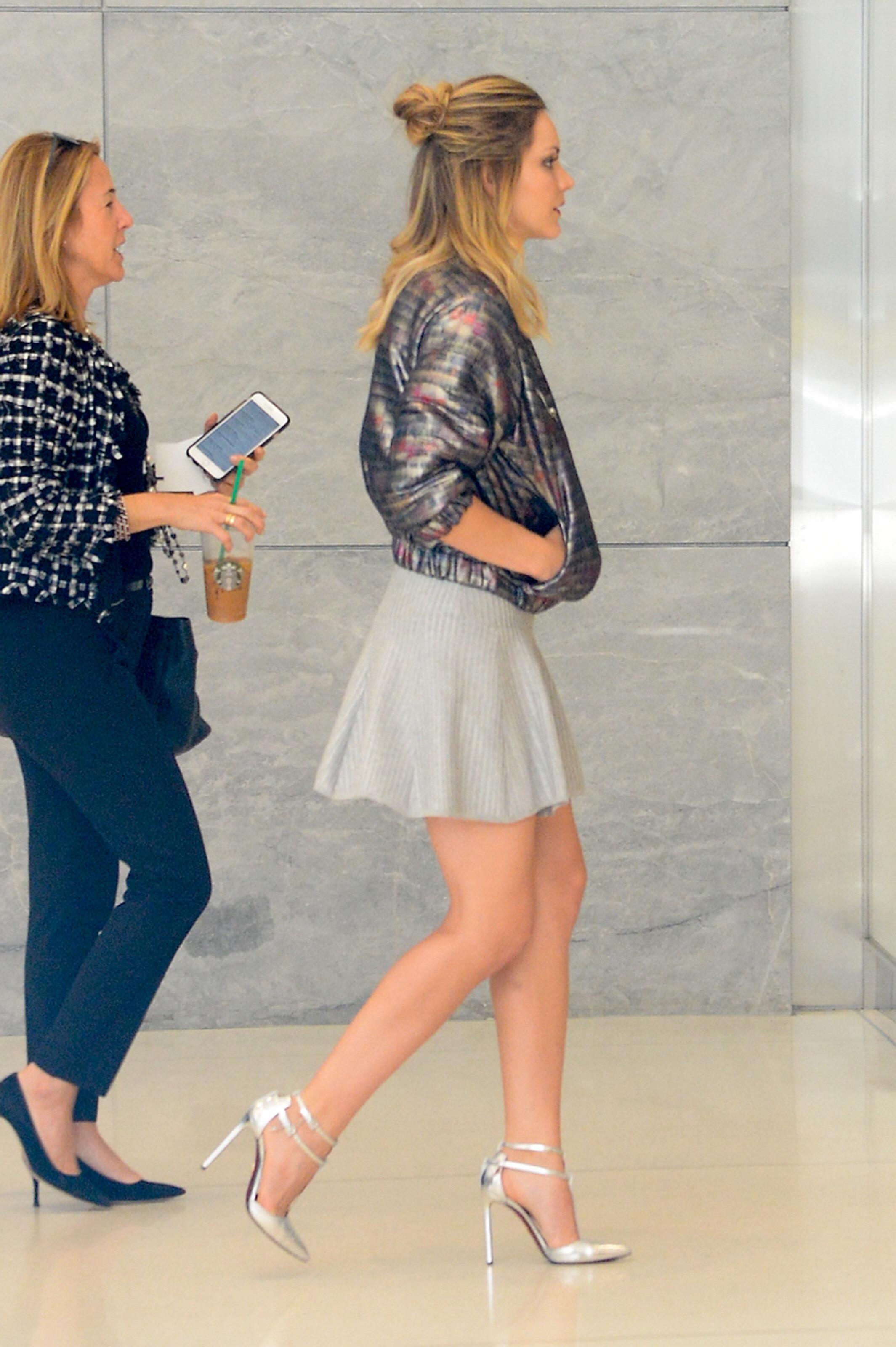 short Sexy high heels skirts legs