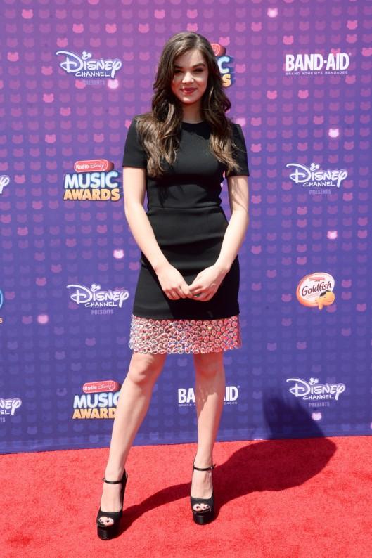 hailee steinfeld 2016 Radio Disney Music Awards arrivals