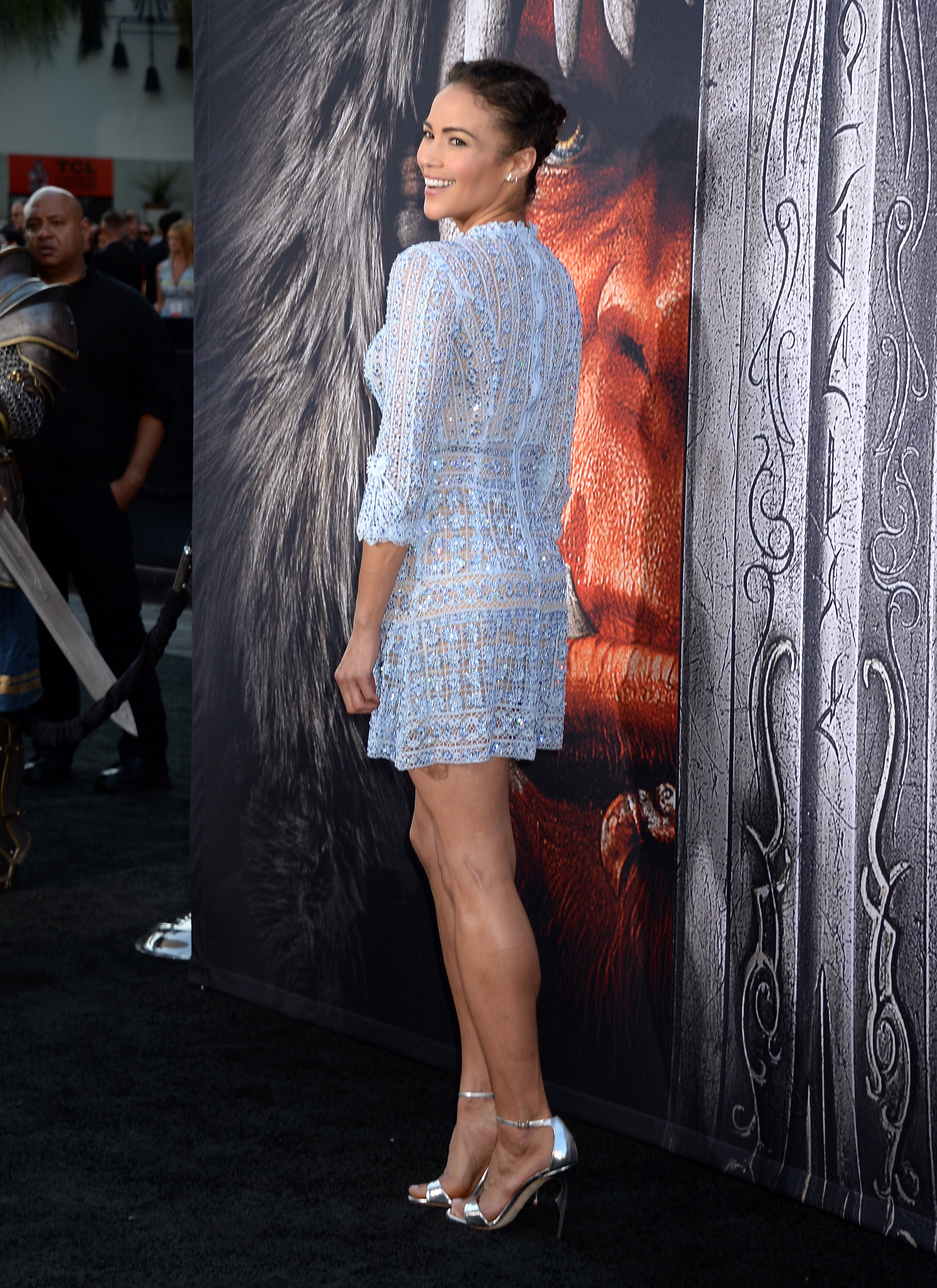 Paula Patton Stunning At Warcraft Premiere Only In High Heels