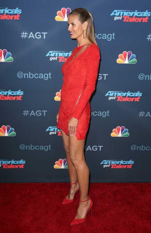 heidi klum red dress
