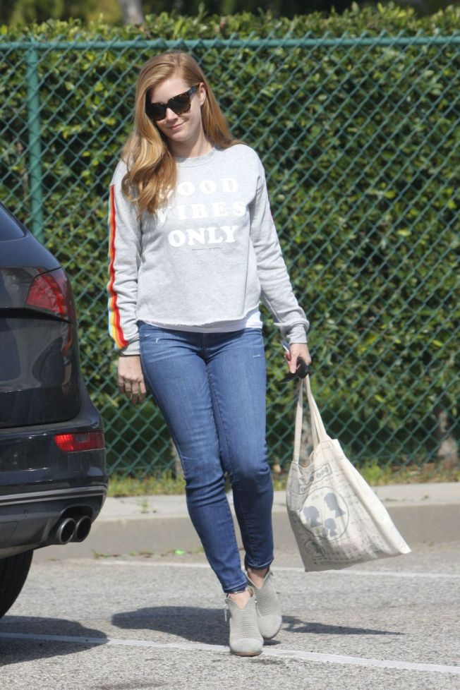 amy adams tight jeans