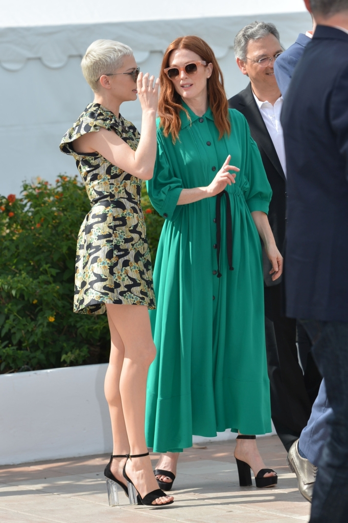 Michelle Williams and Julianne Moore