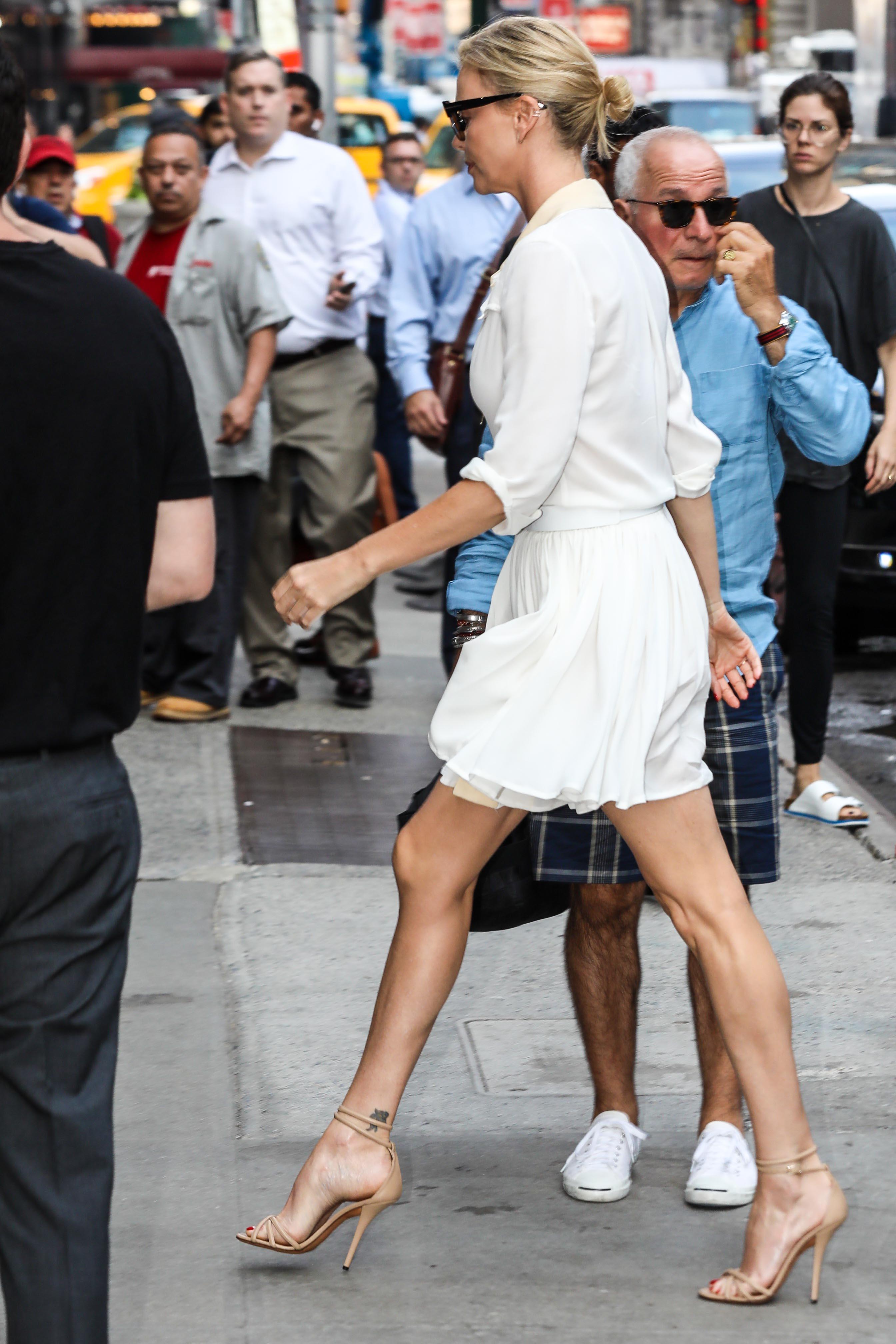 sexy legs nude arse