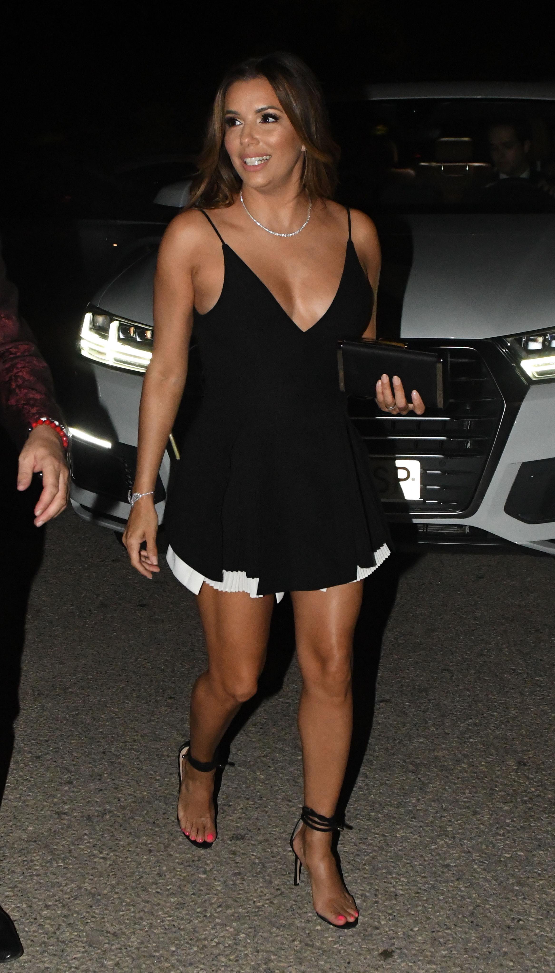 Eva mendes sexy legs