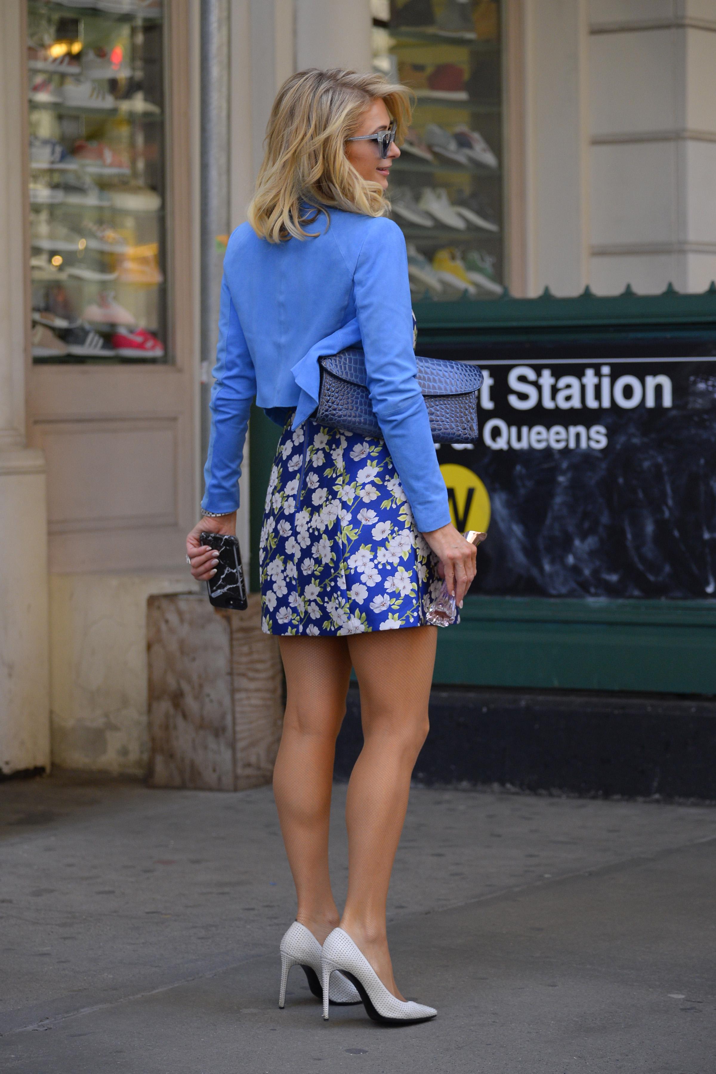 Paris hilton legs