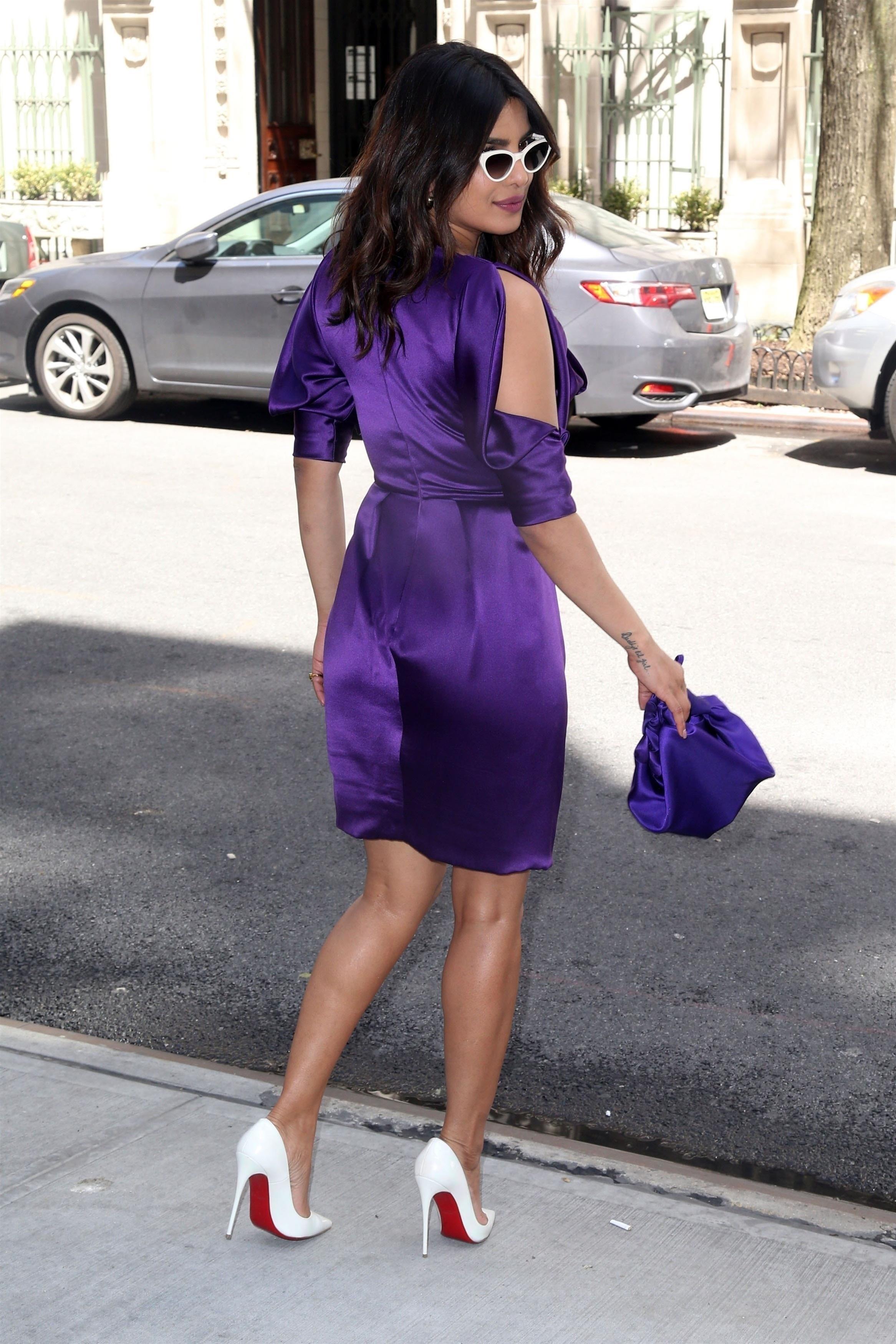 59208cd8fd1d Only in High Heels. Celebrity women revealing their sexy legs ...