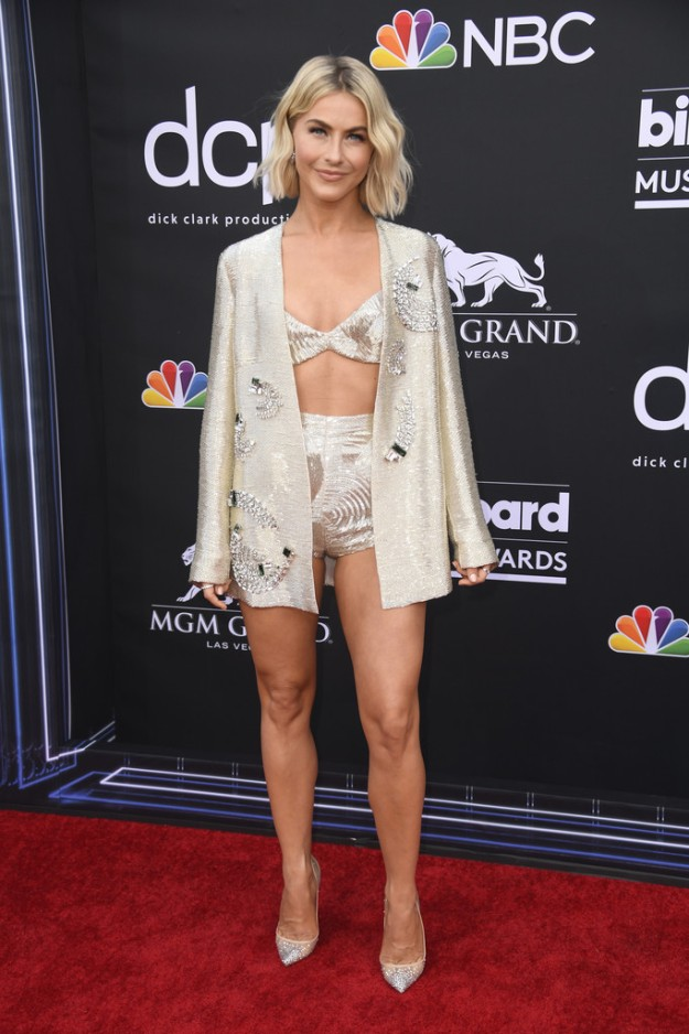 julianne hough sexy legs in high heels